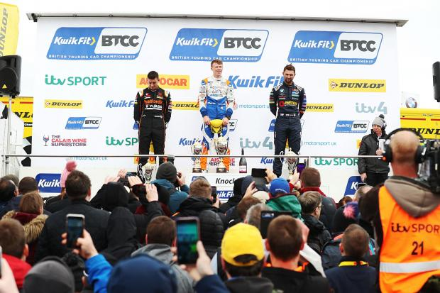 Rory races to Knockhill glory