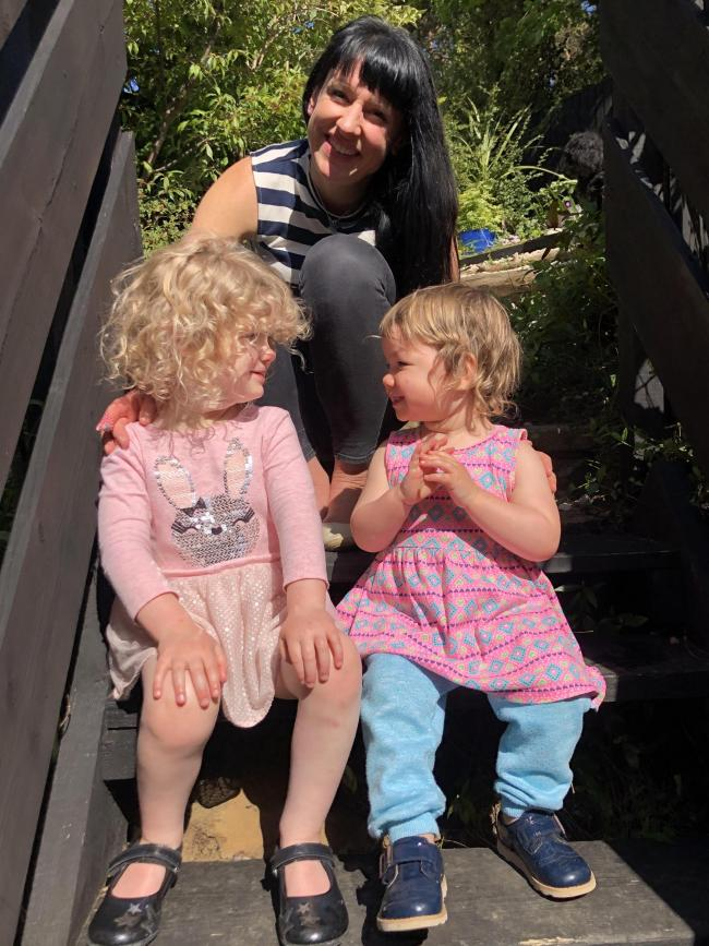 Amy Solon with her daughters Sosi (4) and Alannah(1).