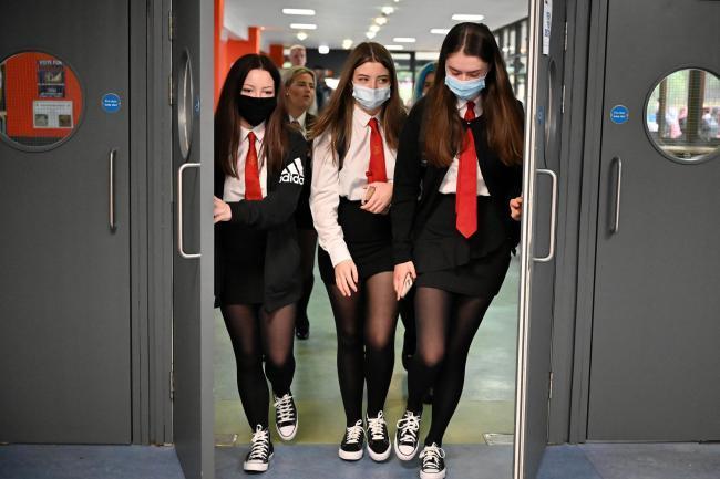 Pupils defy rules on face masks