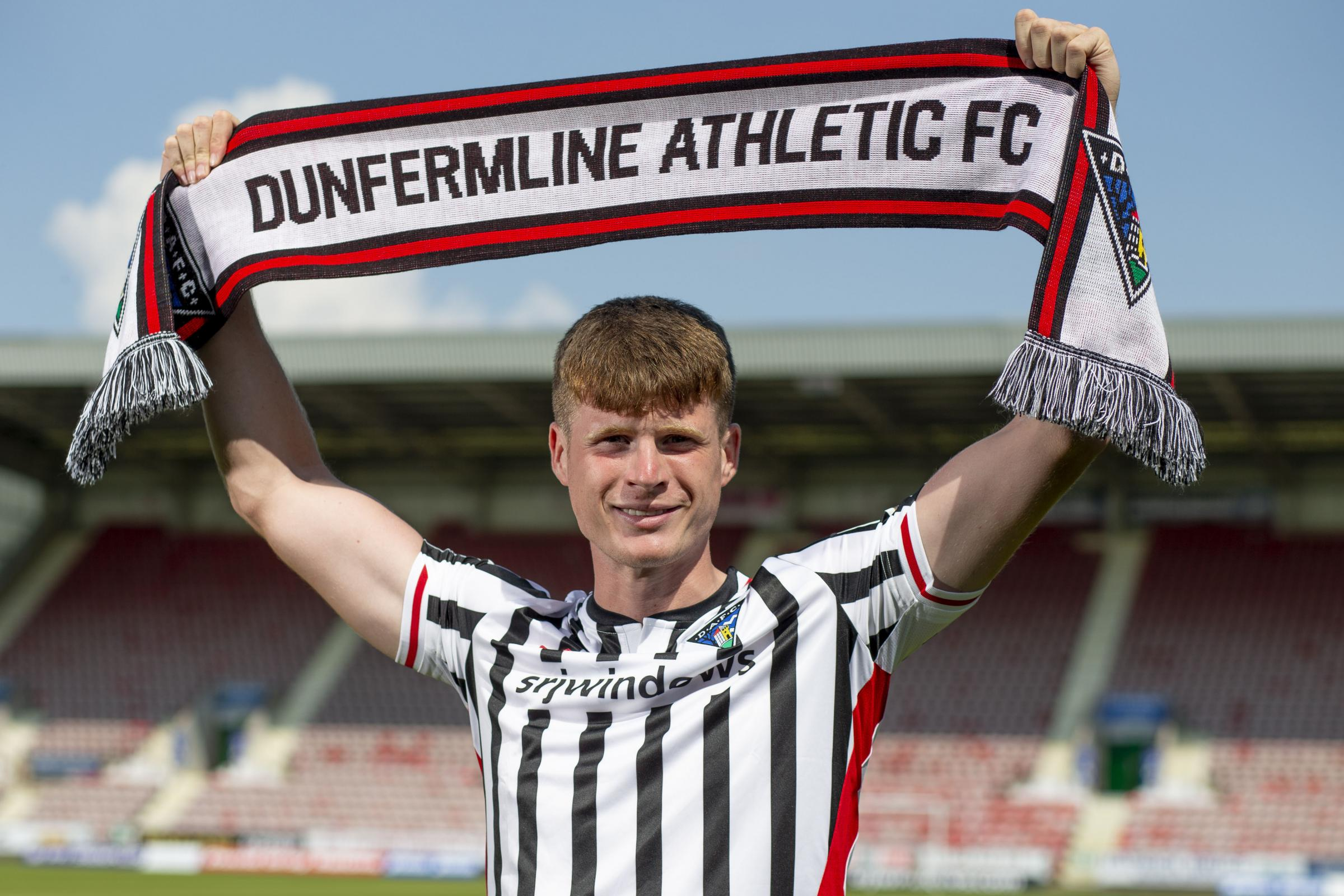 Dunfermline: Rhys Breen signs after leaving Rangers