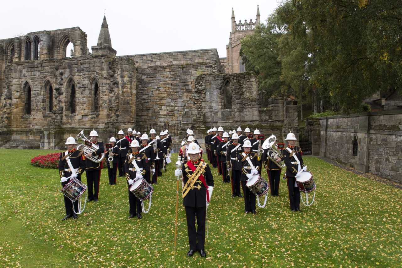 The Band of Her Majesty's Royal Marines Scotland will play two Christmas concerts in Dunfermline.