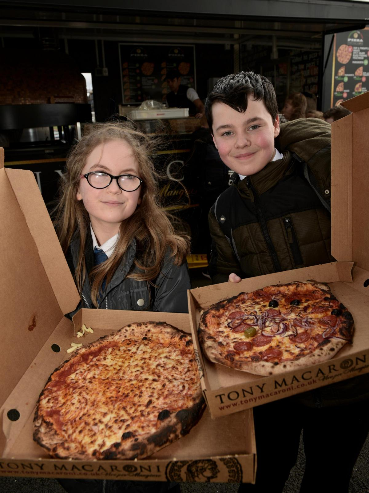 Pupils Grab A Pizza The Action Dunfermline Press