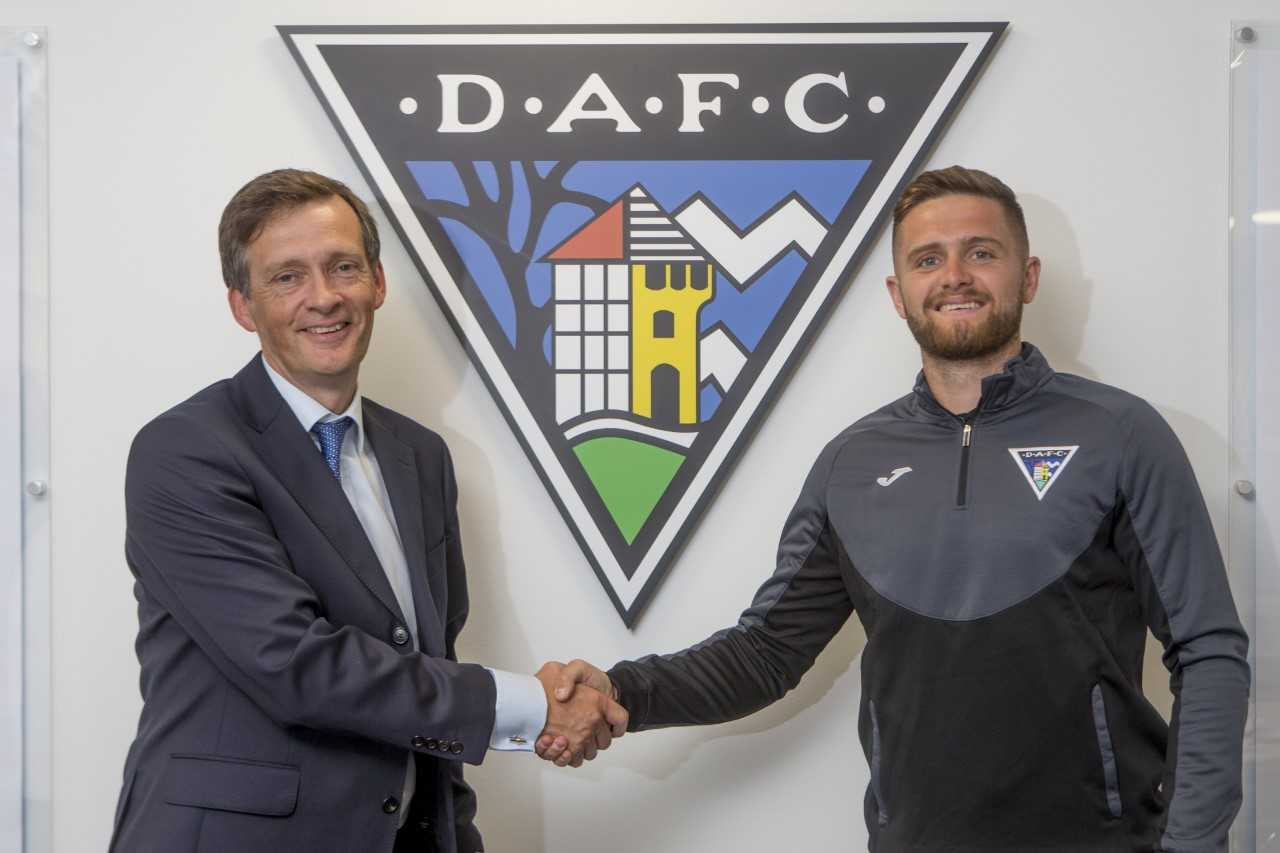 Pars in double signing swoop