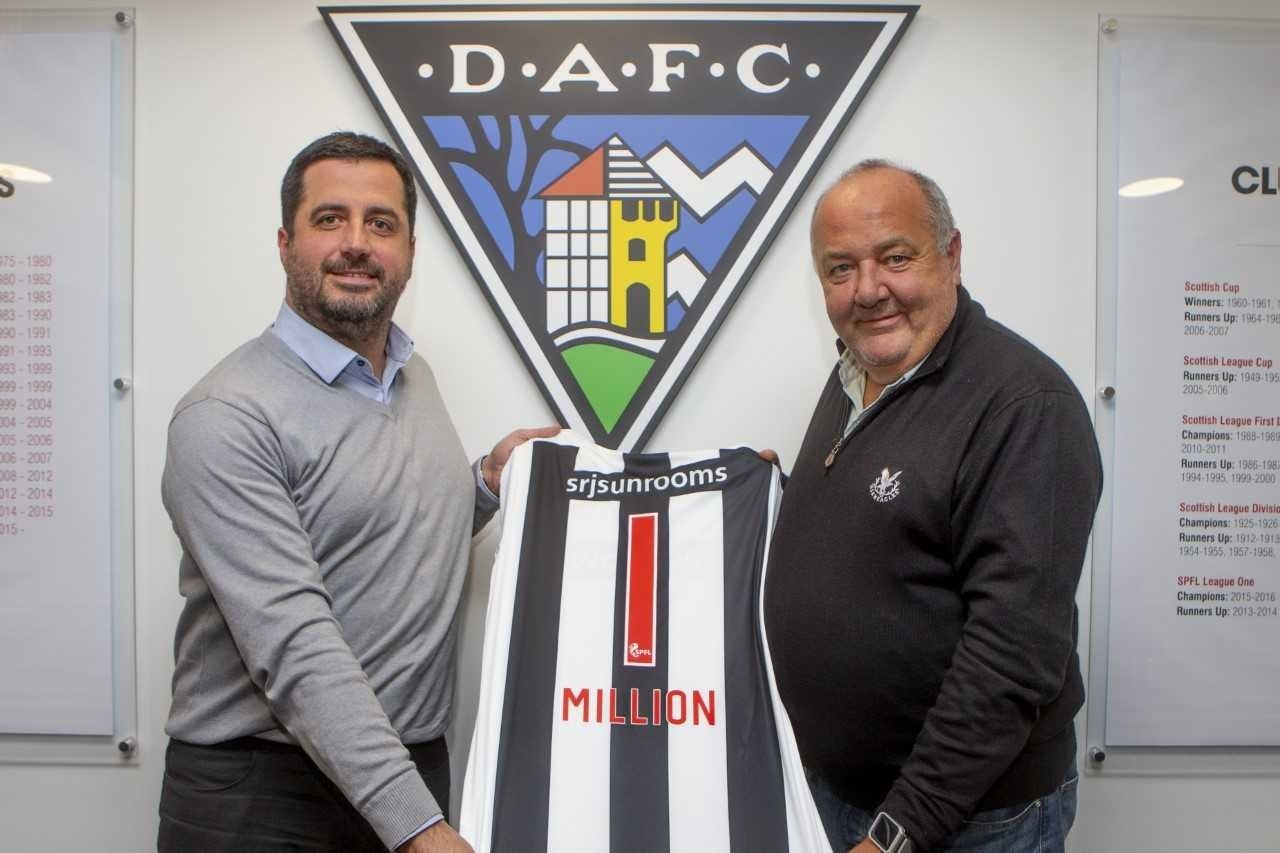 Lifeline chairman, Ross Lindsay, and DAFC vice-chairman, Billy Braisby. Photo: Craig Brown.