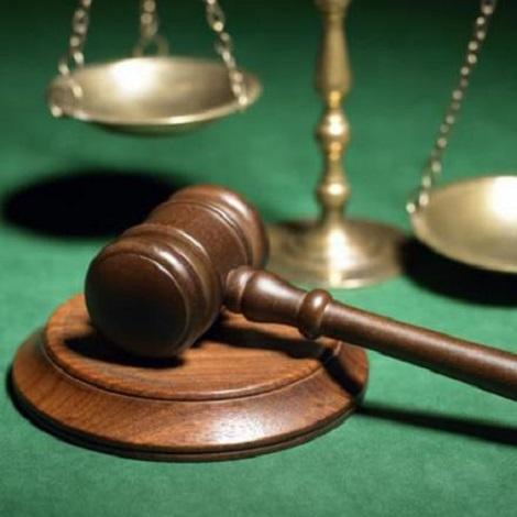 Dunfermline: Man, 30, denies assaulting three people